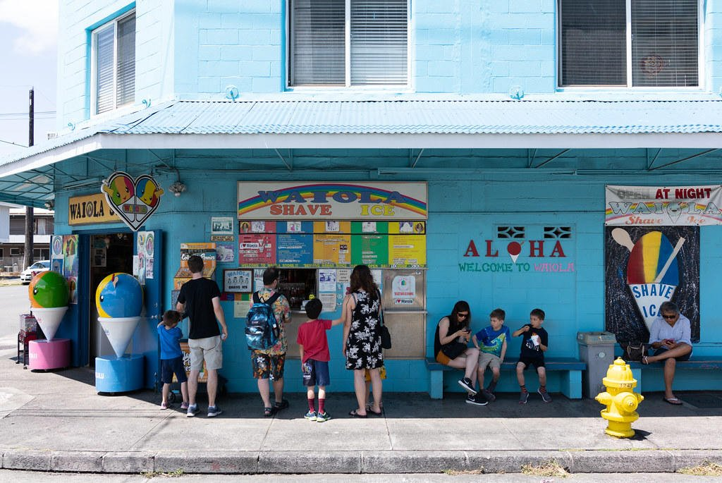 People waiting in line at Waiola Shave Ice.