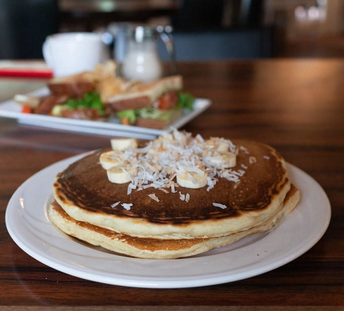 Banana Macnut Pancakes