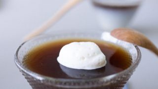 Coffee jelly with whipped cream