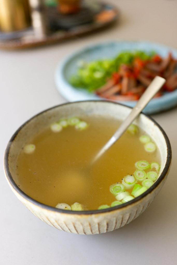 Broth to accompany dry mein